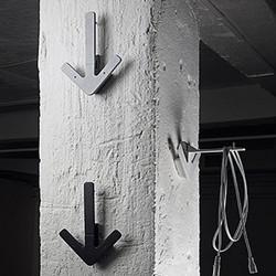 Arrow hanger - grå knag
