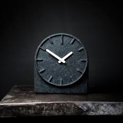 Billede af Felt two - ur i filt hvide visere