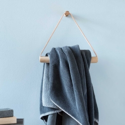 Towel Hanger - træ og læder
