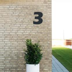 Image of   Sort husnummer 3 - 20 cm