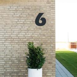 Image of   Sort husnummer 6 - 20 cm
