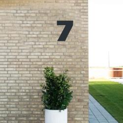 Image of   Sort husnummer 7 - 20 cm