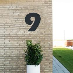 Image of   Sort husnummer 9 - 40 cm