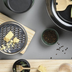 Billede af Peili skål med rivejern - sort
