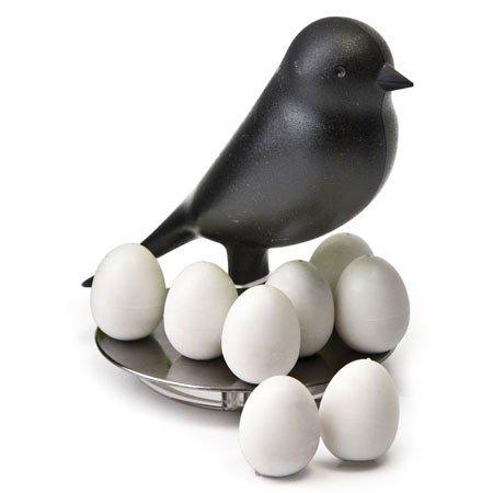 Sort fugl med magneter