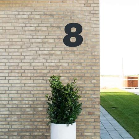 Sort husnummer 8 - 20 cm