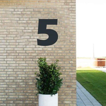 Sort husnummer 5 - 40 cm