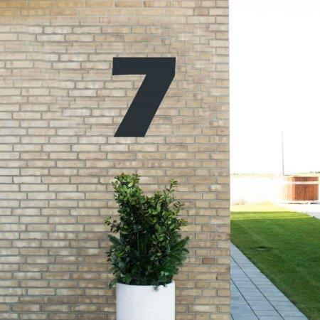 Sort husnummer 7 - 40 cm