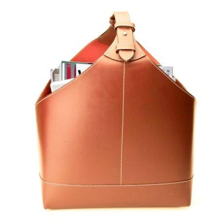 Magasinholder - cognac læder med hvide syninger