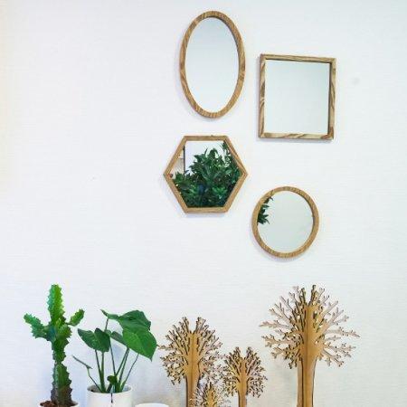 Spejl med træ ramme - rundt