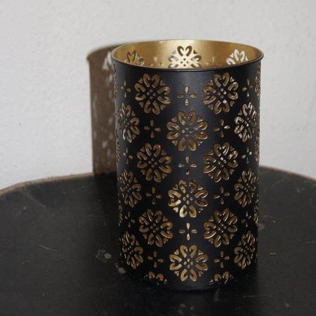 Lysestaget i sort/guld med glas indsats