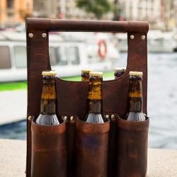 carlobolaget øltaske i brun læder på fenomen