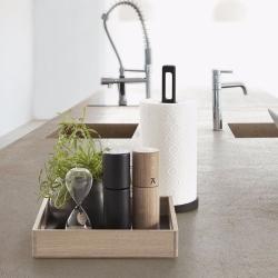 Køkkenrulleholder i sort træ fra andersen furniture på fenomen