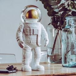 carlobolaget Snekugle - giant astronaut på fenomen