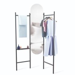 umbra Vala garderobestativ og spejl fra fenomen