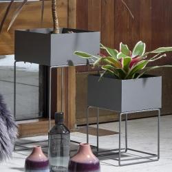 Plantekasser 2 stk. i grå fra villa collection fra fenomen