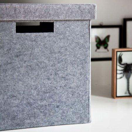 Hyldebox med låg - lysgrå filt