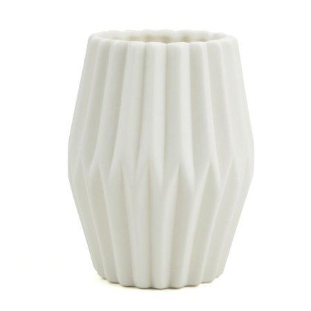Riflet vase i hvid