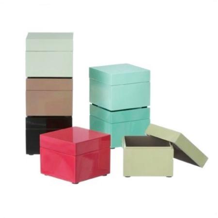 Unik Lille kvadratisk skrin i træ håndlavet boks i højglans farver PM03