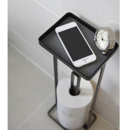 Ungdommelige Toiletrulleholder til reserve ruller med bakke - sort - YAMAZAKI CR87